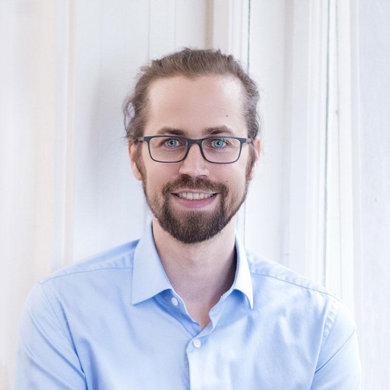 Dr. Johannes Handsteiner