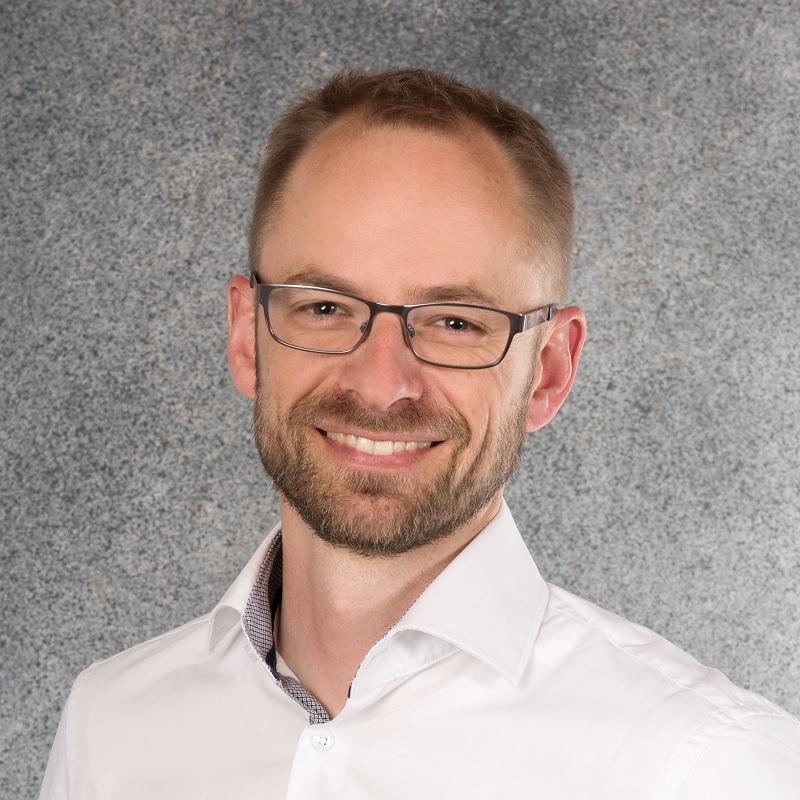 Dr. Henning Weier